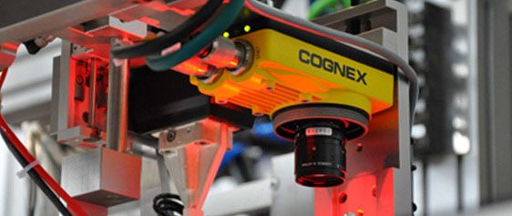 Cognex In-Sight 5705 series mounted factory red light inspection