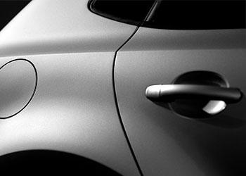 gap flush line between car door and automotive body