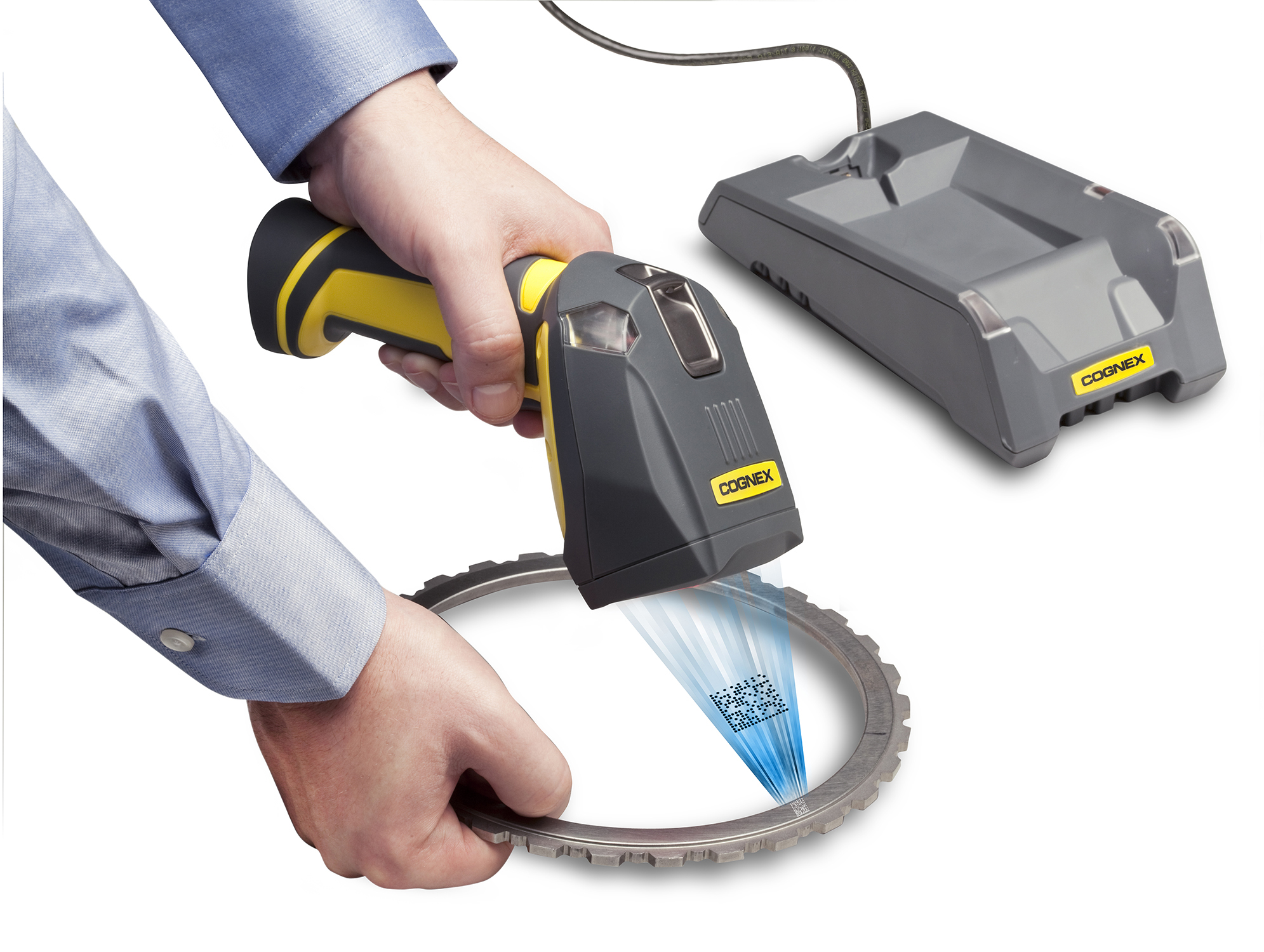 Cognex DataMan 8000 series wireless handheld reading small DPM code on gear