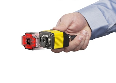 man holding DataMan 300 removable red lighting attachment for liquid lens