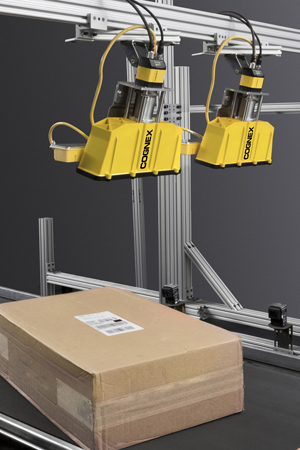cognex xpand field-of-view expansion on two dataman readers above large package on conveyor