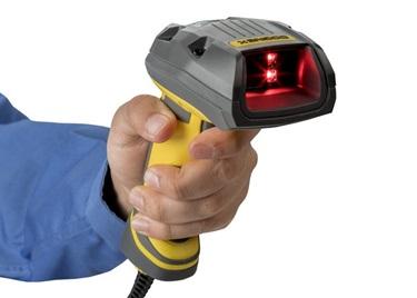 hand using handheld cognex DataMan 8072