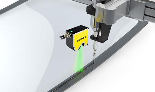 DSMax inspecting glue bead line application on windshield