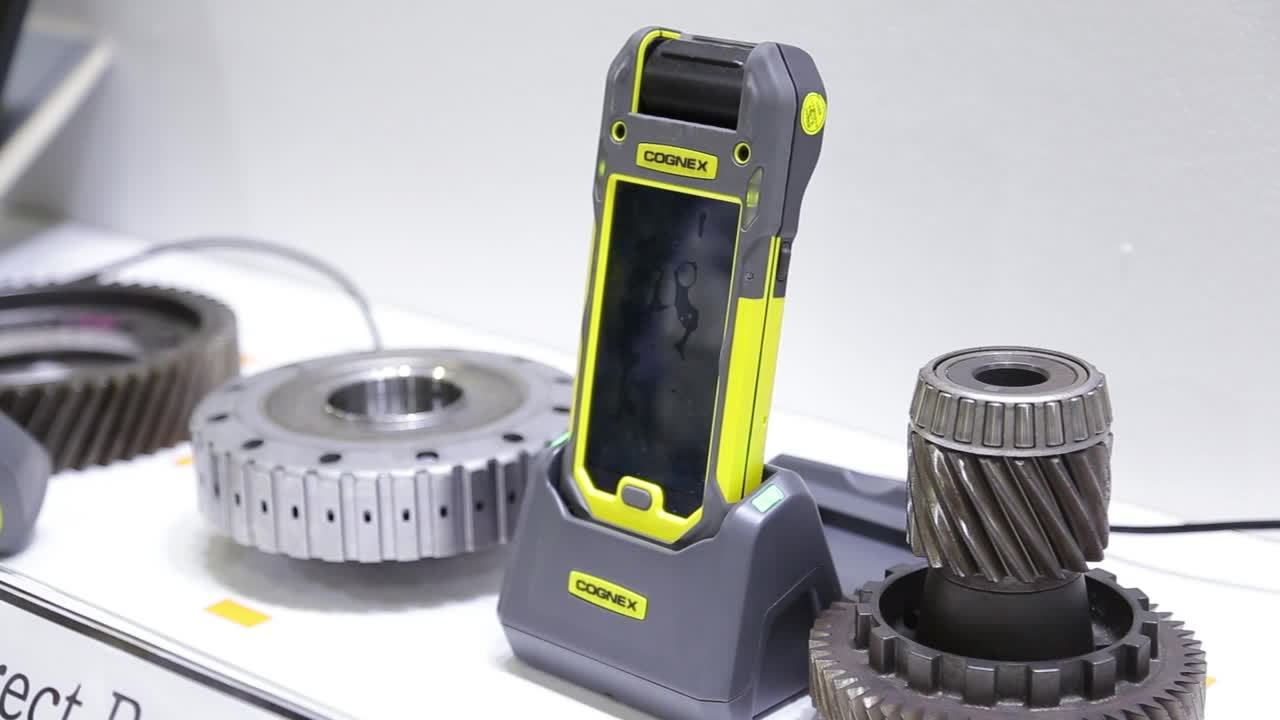 Cognex DataMan Barcode Readers and In-Sight 2000 Vision Sensor