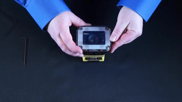 In-Sight 7000 - How to Install the C-Mount Lens and Integrated Lighting Module