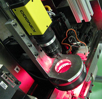 Cognex insight 8000 red light inspection to verify assembly